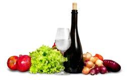 Grupo de verduras con el vidrio y la botella de agua Imagen de archivo libre de regalías