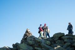 Grupo de viajantes na montagem Washington Fotografia de Stock