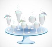 Grupo de vidros em uma tabela. Vetor ilustração royalty free