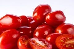 Grupo del primer de tomates de cereza Fotografía de archivo