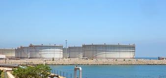 Grupo del tanque del petróleo crudo Imagenes de archivo