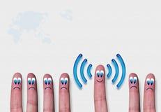Metáfora de los dedos del wifi de la red inalámbrica Foto de archivo