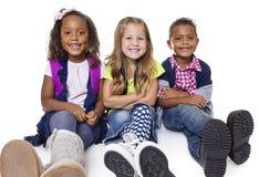 Grupo diverso de niños de la escuela fotografía de archivo