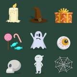 Grupo do ícone de Dia das Bruxas com atributos do partido: doces, chapéu do Dia das Bruxas e Fotografia de Stock