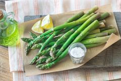Grupo do aspargo cozinhado imagem de stock