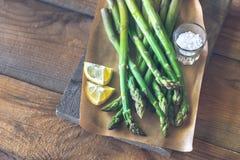 Grupo do aspargo cozinhado imagens de stock