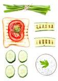 Grupo do café da manhã de ingredientes com pão, ovos fritos do brinde, vege Fotos de Stock Royalty Free