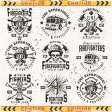 Grupo do departamento dos bombeiros de emblemas do vintage do vetor imagens de stock