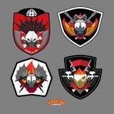 Grupo do emblema do exército Remendo das forças especiais com crânio e armas Vecto Imagens de Stock Royalty Free