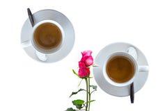 Grupo do freio do café, café das xícaras de café com a flor cor-de-rosa no whi Fotos de Stock Royalty Free