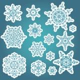 Grupo do inverno dos flocos de neve O vetor rabisca etiquetas Fotos de Stock Royalty Free