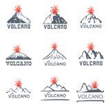 Grupo do logotipo da erupção do vulcão, ilustração dos ícones do vetor no fundo branco Fotografia de Stock
