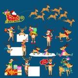 Grupo do Natal de cervos com a bandeira isolada, cartão animal do feriado feliz do xmas do inverno, vetor da rena do ajudante de  Imagens de Stock Royalty Free
