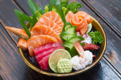 Grupo do sashimi do marisco cru foto de stock
