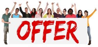 Grupo do sinal da oferta especial de venda dos jovens ao comprar imagens de stock