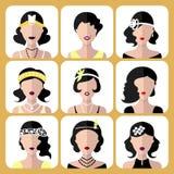 Grupo do vetor de ícones diferentes das meninas do flapper no estilo liso moderno isolados no fundo branco Fotografia de Stock Royalty Free