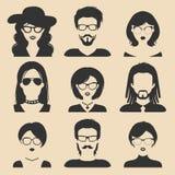 Grupo do vetor de ícones masculinos e fêmeas diferentes no estilo liso na moda Coleção das imagens das caras e das cabeças dos po Fotografia de Stock