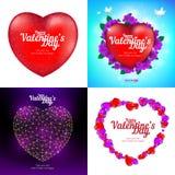 Grupo do vetor de cartões felizes do dia do ` s do Valentim com coração, os pássaros de voo, as flores e o po vermelhos polígono  Fotografia de Stock Royalty Free