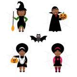 Grupo do vetor de Dia das Bruxas no estilo dos desenhos animados Povos de pele escura em trajes do feriado Fotos de Stock Royalty Free