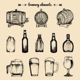 Grupo do vetor de elementos da cervejaria do vintage Coleção retro com ícones da cerveja A cerveja pilsen, cerveja inglesa barrel Fotos de Stock Royalty Free