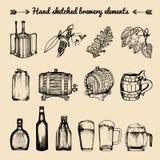 Grupo do vetor de elementos da cervejaria do vintage Coleção retro com sinais da cerveja Tambores, garrafas etc. ilustrações esbo Imagem de Stock Royalty Free