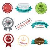 Grupo do vetor de emblemas retros, de etiquetas, de botões e de ícones. ilustração stock