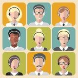 Grupo do vetor de homem diferente e de mulher que trabalham em ícones do app do centro de atendimento no estilo liso na moda Imagem de Stock