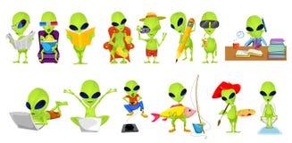 Grupo do vetor de ilustrações verdes do passatempo dos estrangeiros Imagem de Stock Royalty Free