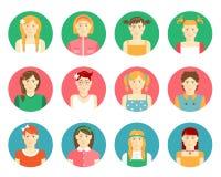 Grupo do vetor de meninas e de avatars das jovens mulheres Fotografia de Stock Royalty Free