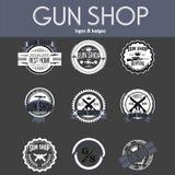 Grupo do vetor dos logotypes e dos crachás da loja de arma Imagens de Stock