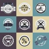 Grupo do vetor dos logotypes e dos crachás da loja de arma Fotos de Stock Royalty Free