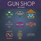 Grupo do vetor dos logotypes e dos crachás da loja de arma do pop art Fotografia de Stock