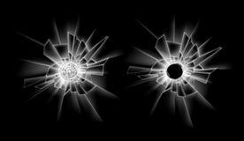 Grupo do vetor quebra transparente de janela de vidro quebrada com dois buracos de bala no fundo do preto escuro Foto de Stock