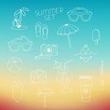 Grupo dos elementos do verão tirados com uma mão Imagem de Stock Royalty Free