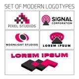 Grupo dos logotipos 3d geométricos coloridos do sumário do vetor Foto de Stock Royalty Free