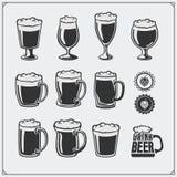 Grupo dos produtos vidreiros da cerveja do vetor Fotos de Stock Royalty Free