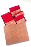 Grupo empacotado de toalha do presente no isolado da caixa Foto de Stock