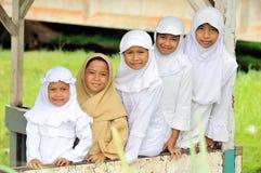 Grupo feliz de niños fotografía de archivo