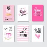 Grupo feliz do dia da mãe de cartões decorados com caligrafia bonito da rotulação Fotografia de Stock