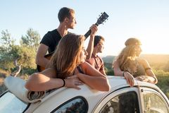 Grupo feliz em férias Fotos de Stock Royalty Free