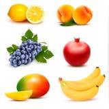 Grupo grande de diversa fruta Foto de archivo libre de regalías
