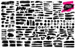 Grupo grande de pintura preta, cursos da escova da tinta, escovas, linhas, sujas Elementos artísticos sujos do projeto, caixas, q ilustração do vetor