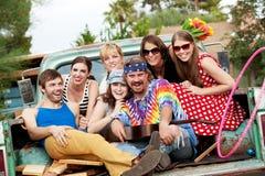Grupo Groovy na parte traseira do caminhão imagens de stock royalty free