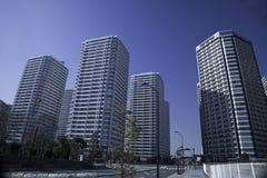 Grupo japonés del apartamento de un edificio alto Imagen de archivo libre de regalías