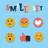 Grupo liso engraçado abstrato do ícone da cor das reações do emoticon do emoji do estilo Coleção social da expressão do sorriso ilustração do vetor