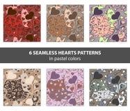 Grupo mão sem emenda de testes padrões tirados dos corações nas cores pastel ilustração stock