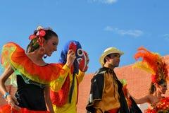 Grupo mexicano colorido da dança no festival cultural Fotografia de Stock Royalty Free