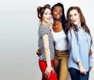 Grupo multi diverso de las muchachas de la nación, cheerf adolescente de la compañía de los amigos imagen de archivo