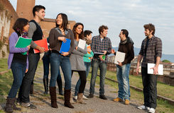 Grupo Multi-Ethnic de estudantes fotografia de stock royalty free