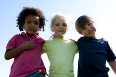 grupo Multi-étnico de crianças Fotos de Stock Royalty Free